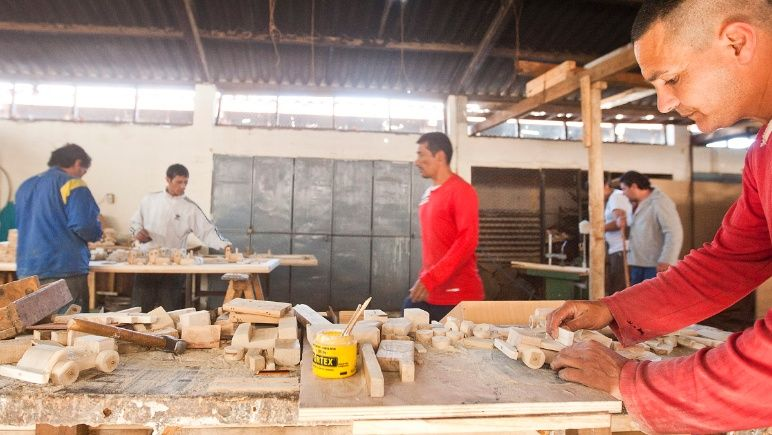 Uruguay construirá un centro de empleo para expresidiarios