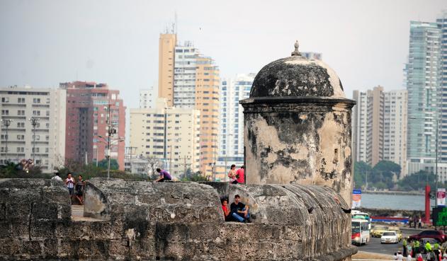 La Concha Negra se come a las murallas de Cartagena y nadie hace nada