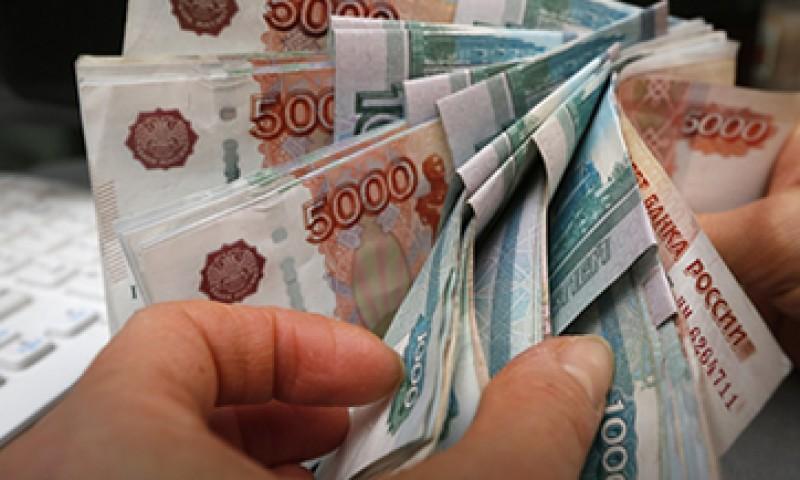 Rusia apuesta por monedas nacionales en lugar del dólar para exportar armas