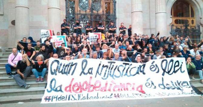 """Independentistas protestan en Barcelona contra """"la injusticia española"""""""