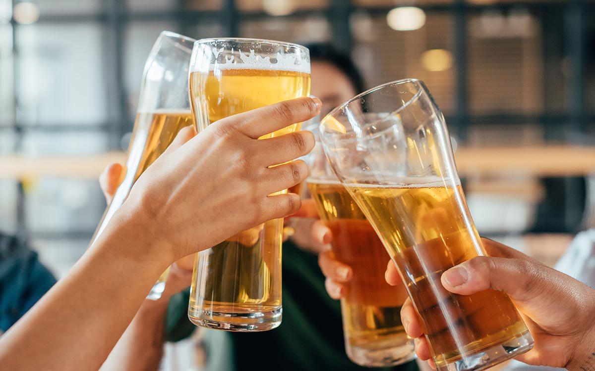 Al menos 19 personas mueren intoxicadas por alcohol en Malasia