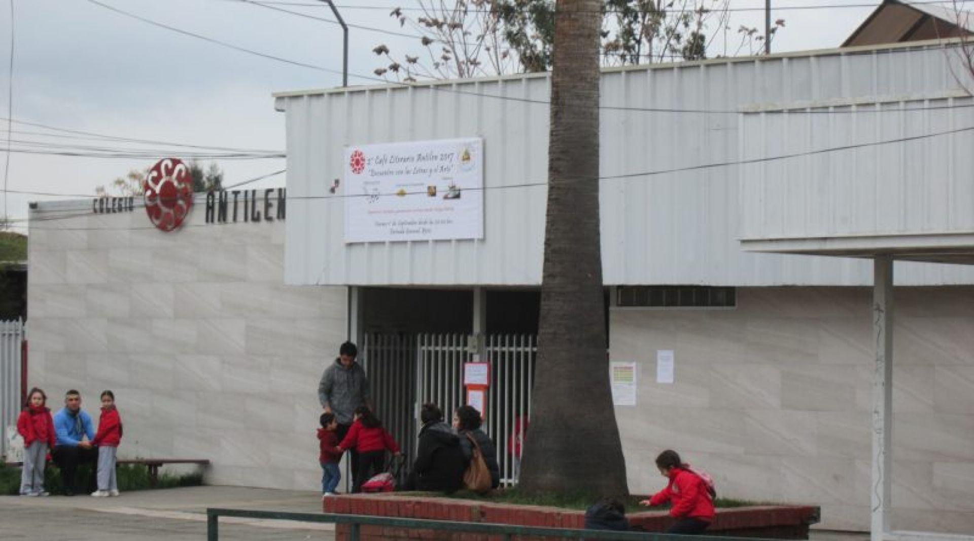 Colegio de Rengo será rematado con sus 600 alumnos incluidos