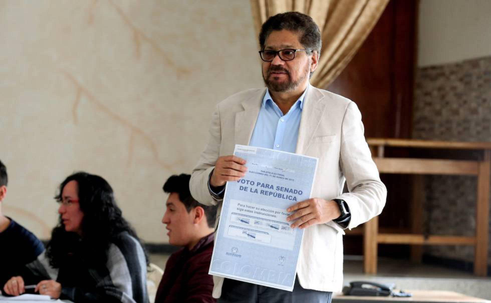 Tribunal de paz exige a 31 integrantes de la FARC rendir cuentas