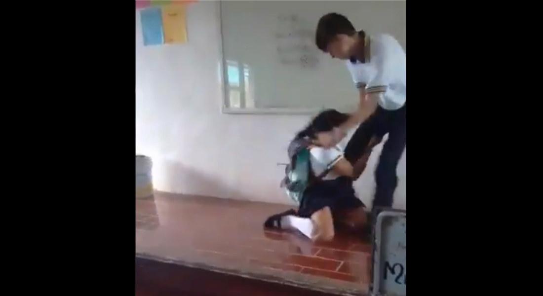 Brindan seguridad a estudiante gay que agredió a una chica para «defenderse» en el salón de clases