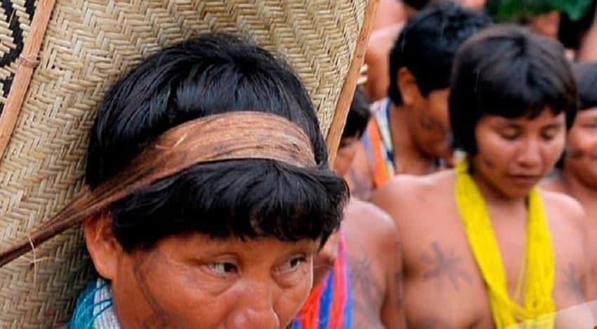 Facebook se disculpa por vetar foto de indígenas mostrando sus pechos en Brasil