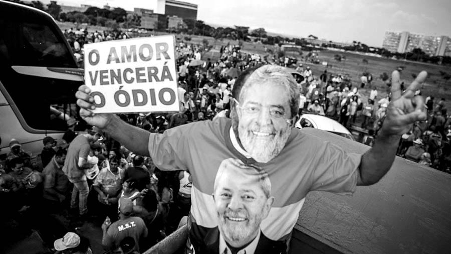 Lula le dejó a Haddad un programa de gobierno listo para Brasil