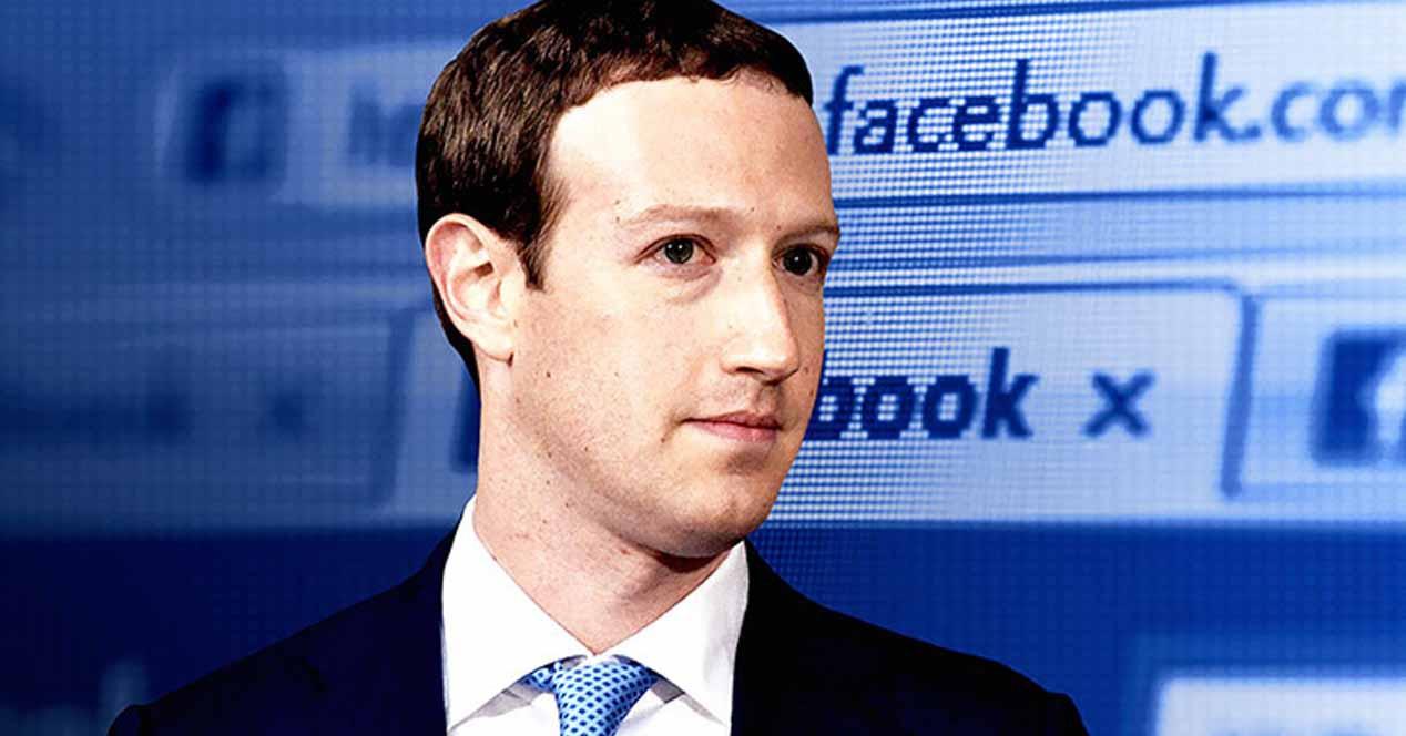 Hacker amenaza a Facebook con borrar el perfil de Mark Zuckerberg el domingo