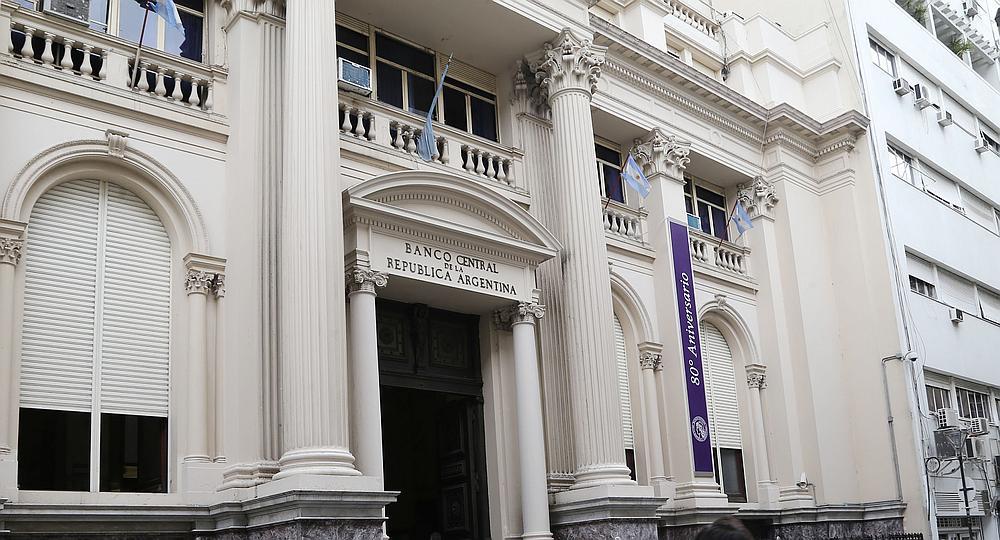 Banco Central argentino subasta $75 millones para «contener» la tendencia al alza