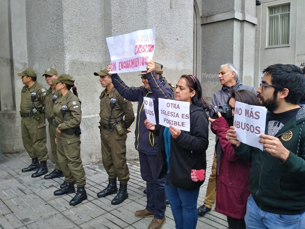 Concepción: Protestan contra abusos sexuales tras el Te Deum en la Catedral