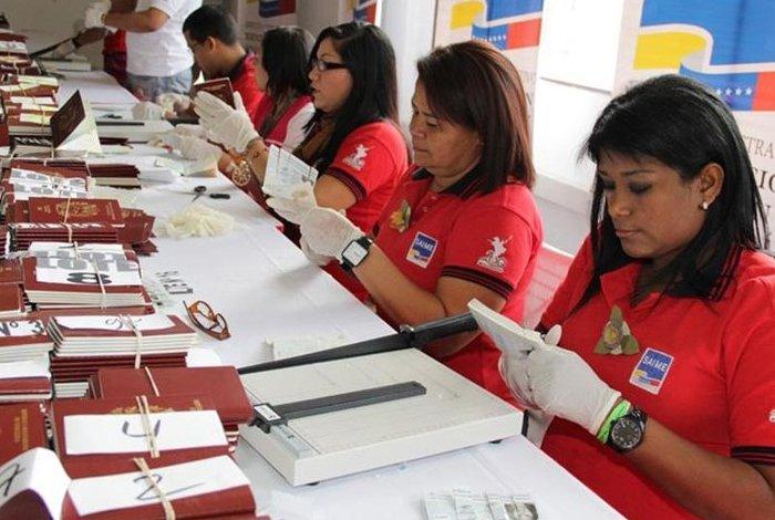 Venezuela homologa sueldos y salarios en toda la Administración Pública