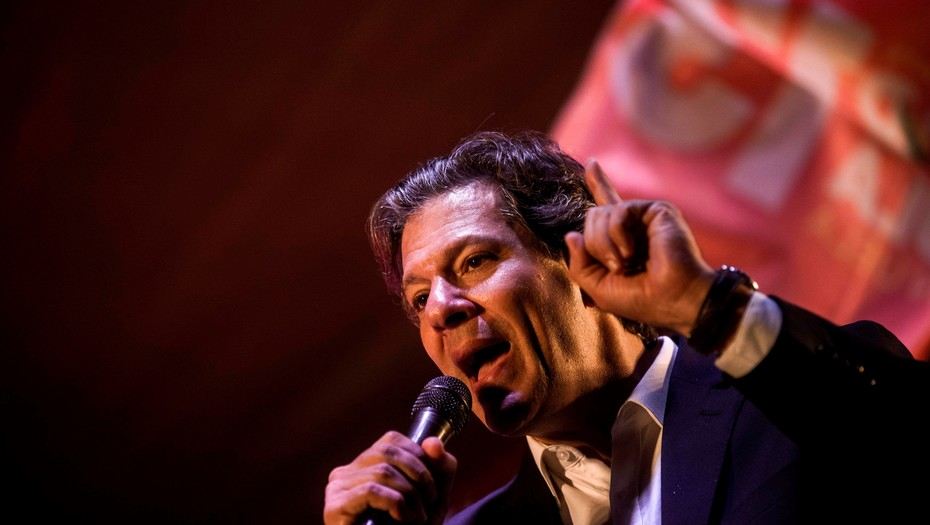Bolsonaro y Haddad se distancian de los demás candidatos en Brasil