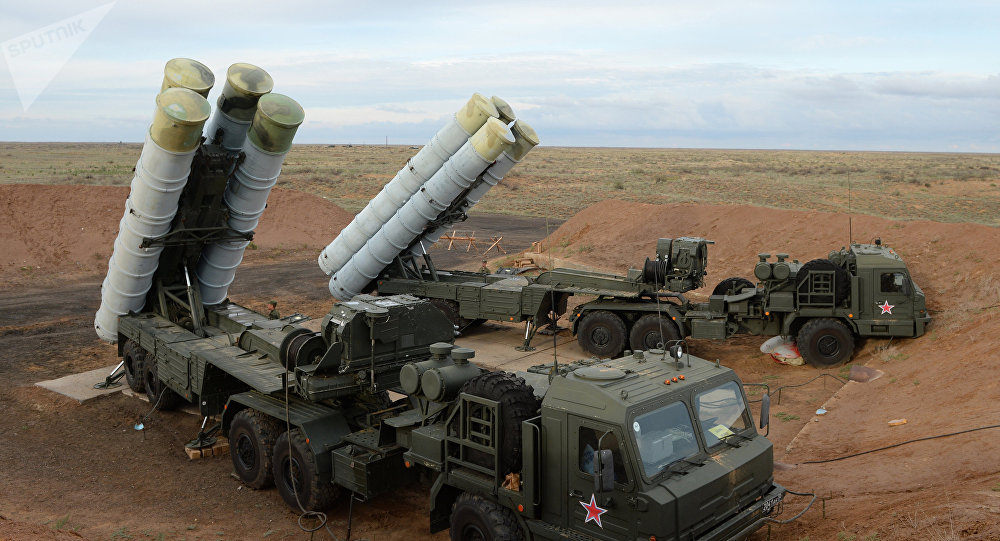 India y Rusia firman acuerdo para compra de misiles de defensa aérea S-400