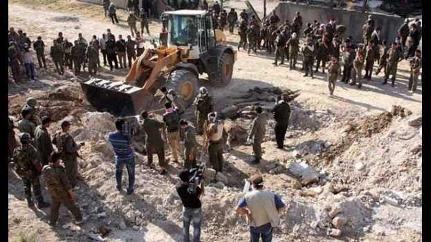 Descubren fosa común en antigua capital del Estado Islámico en Siria con más de 1.500 cuerpos