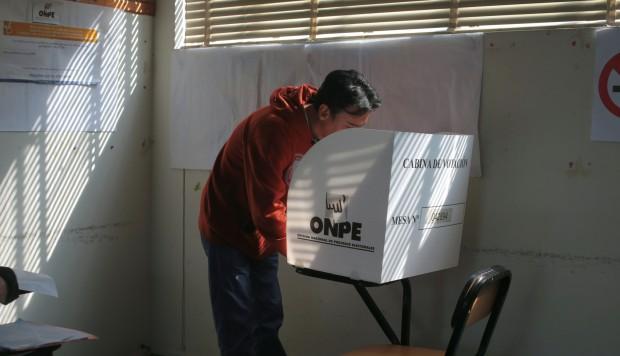 Peruanos elegirán gobernadores y alcaldes