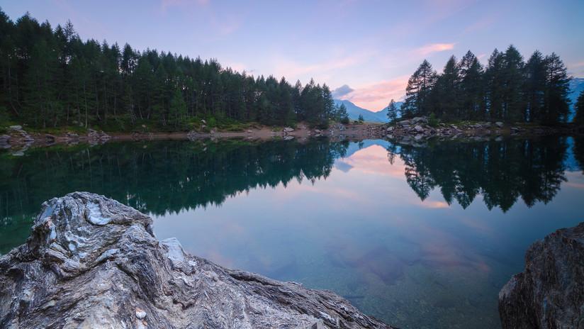 (Foto) Sin agua el lago Azzurro por fuerte sequía en Italia