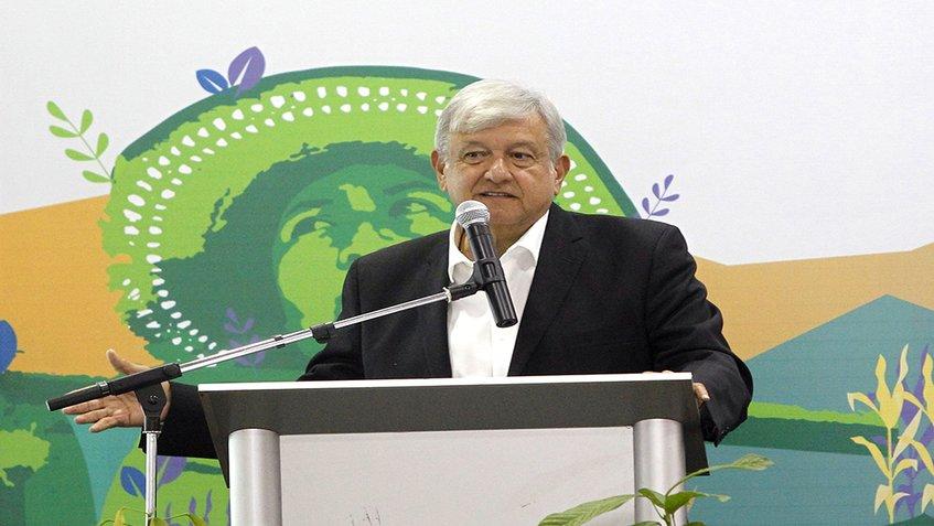 "López Obrador: ""Ya no se va a vender, en el mediano plazo, petróleo crudo al extranjero"""