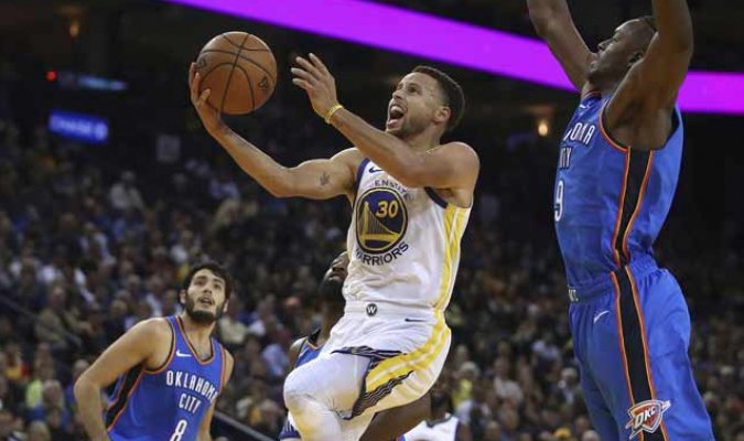 Golden State Warriors abren campaña de la NBA con victoria