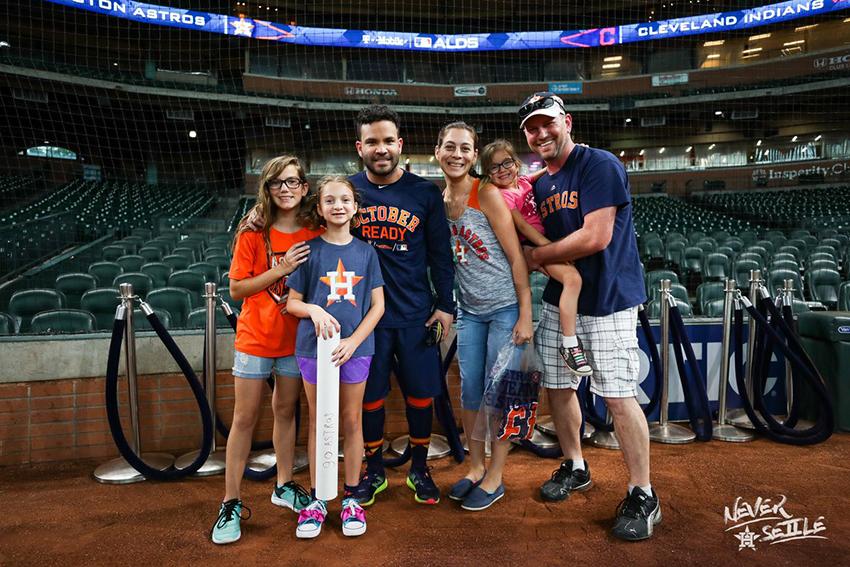 Una pequeña fanática es reprendida en público y los Astros salen en su defensa