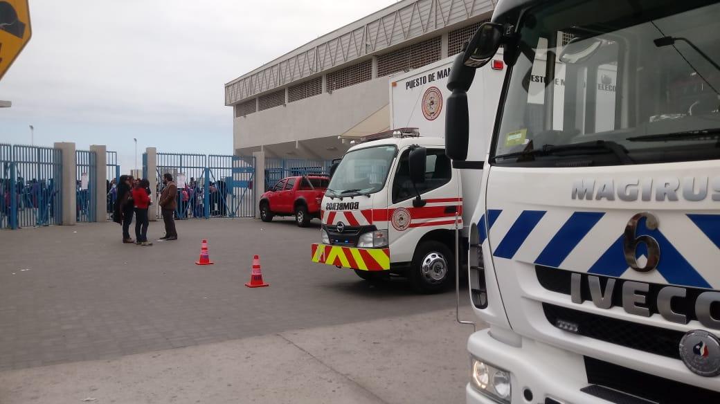 Antofagasta: Bomberos realizó masiva evacuación por emanación de sustancia «indeterminada»