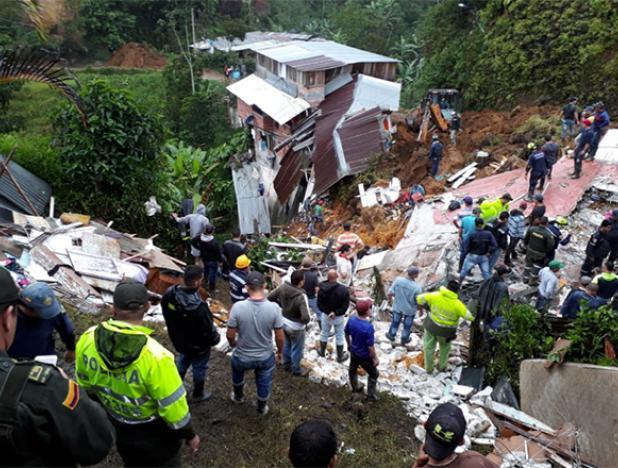 Derrumbe en Colombia ocasionó la muerte a 11 personas