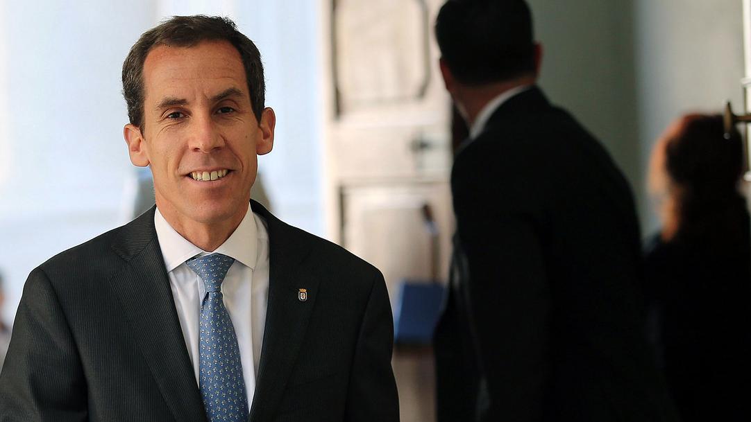"""Estudiantes secundarios culpan a """"inoperatividad"""" de Alessandri por proyecto Aula Segura"""