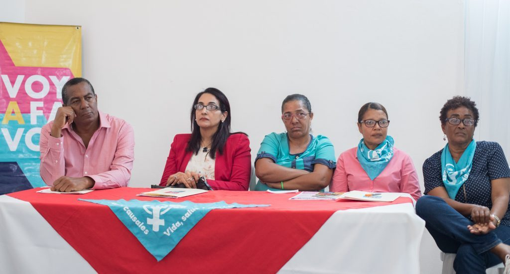 Campesinas dominicanas exigen a legisladores despenalizar el aborto