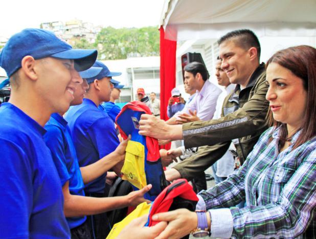 Jóvenes privados de libertad reciben útiles escolares en Venezuela