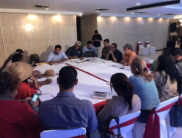 Gobierno venezolano instala mesas de trabajo con campesinos para atender sus demandas
