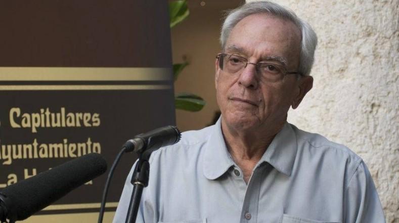 Galardonan a historiador cubano con premio Hadrian en Nueva York