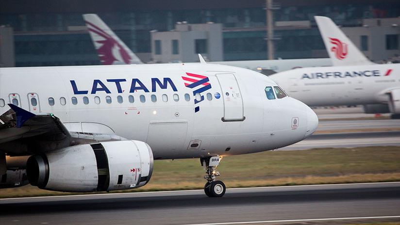 (Fotos) Así quedó el avión de Latam golpeado por una tormenta de granizo