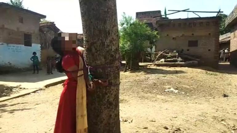 Azotan y atan a un árbol a una musulmana por fugarse con un hindú