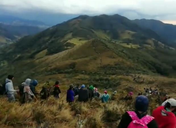 (Video) Enfrentamientos entre indígenas dejan un centenar de heridos en el Cauca