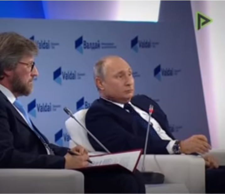 "(Vídeo)""Nunca atacaremos a nadie primero"": Putin sobre un posible golpe nuclear"