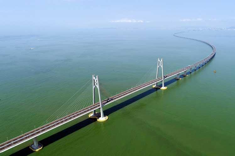 El puente más grande del mundo entrará en funcionamiento en China