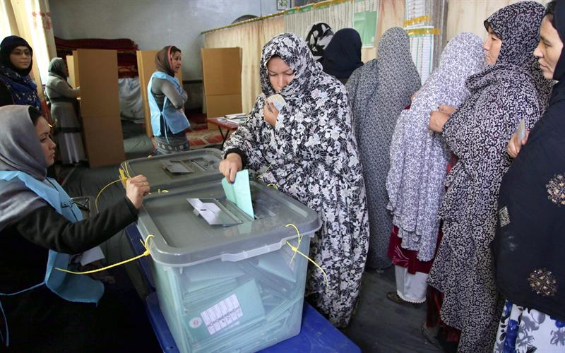 Al menos 44 fallecidos y 238 heridos por explosiones durante las elecciones en Afganistán
