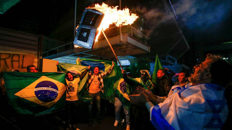 Exigen investigar amenazas de fanáticos de Bolsonaro contra periodistas