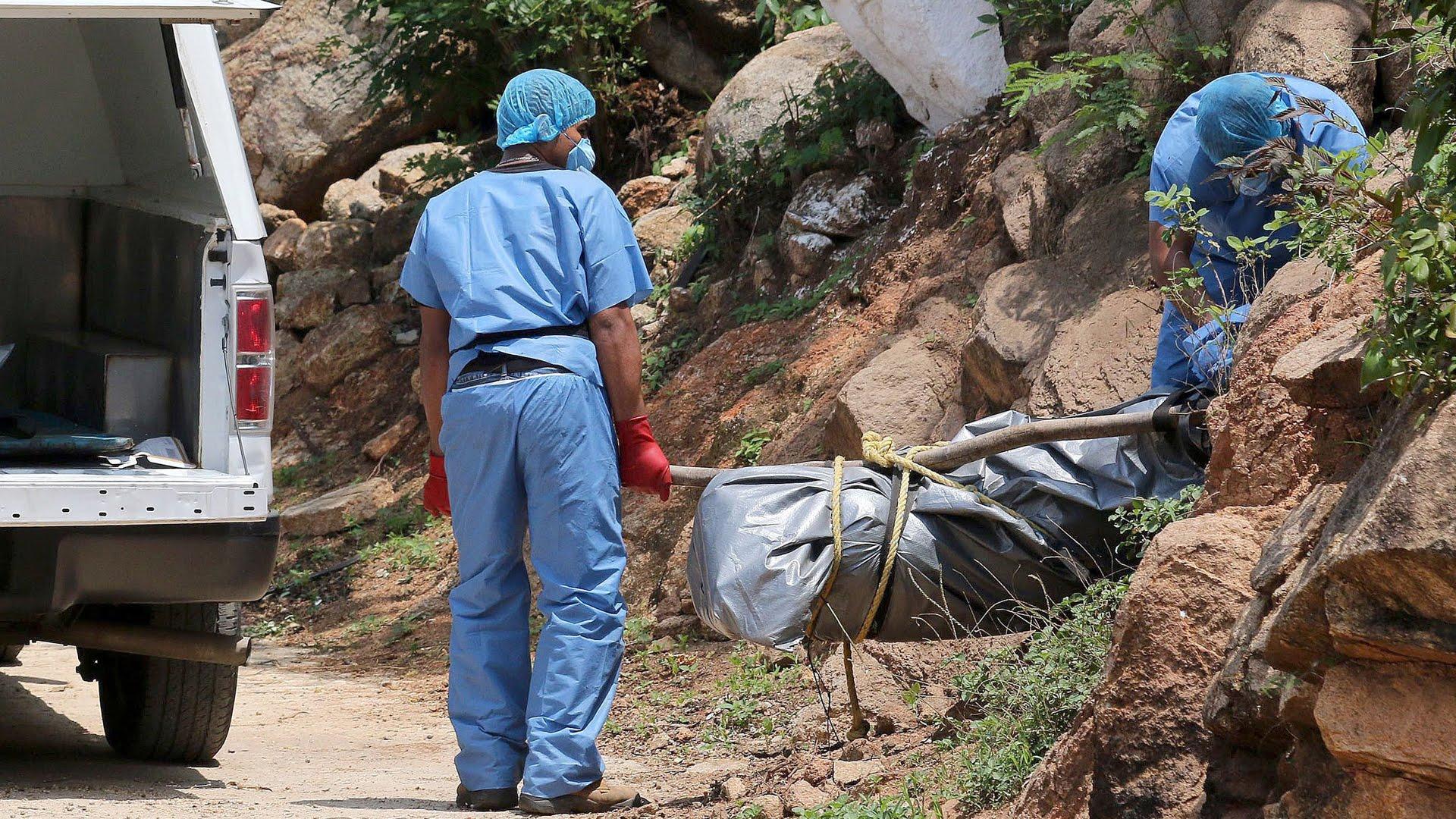 Cerca de 6 mil cuerpos se encuentran en morgues y fosas comunes en México
