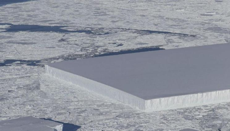 ¿De qué se trata este iceberg rectangular apareció en la Antártica?
