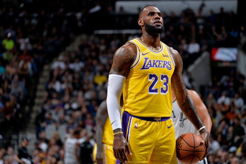 LeBron James se convirtió en el sexto máximo anotador de la NBA