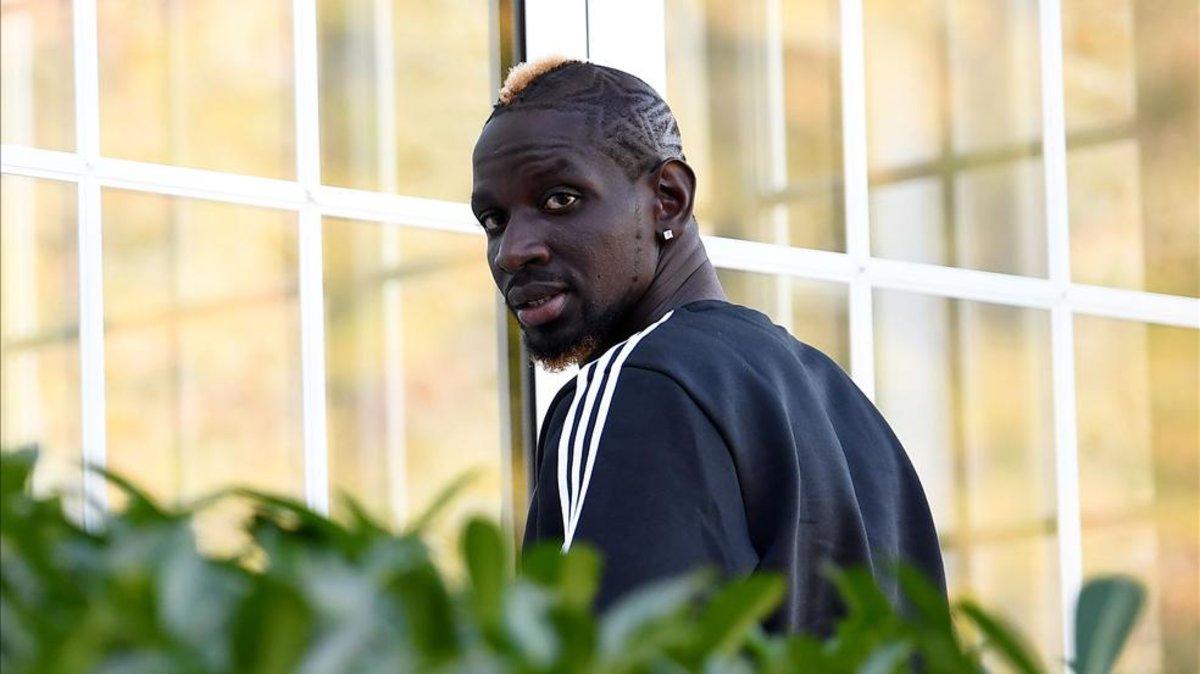 Confesiones de Mamadou Sakho: «Dormía en la calle, y para poder comer robaba o pedía limosna»