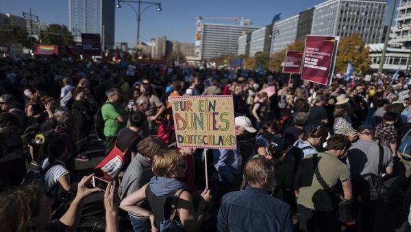 Marcha en Alemania se realiza contra la exclusión y la xenofobia