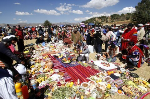 Indígenas peruanas piden al mundo respetar a la Madre Tierra