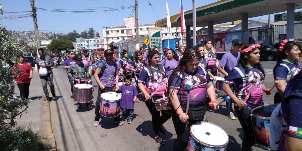 Carnaval Mil Tambores: Positiva evaluación de los pasacalles en los cerros de Valparaíso