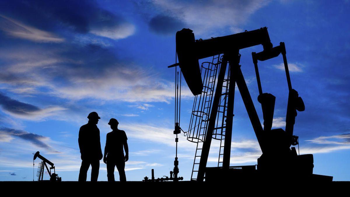 Precios del petróleo vuelven a subir rumbo a su nuevo récord en cuatro años