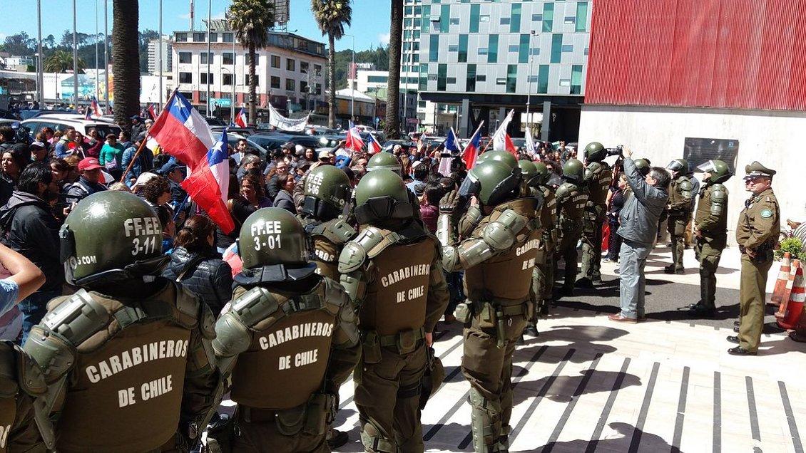 Concepción: Masiva protesta de trabajadores por pérdida de cupos en programas pro empleo