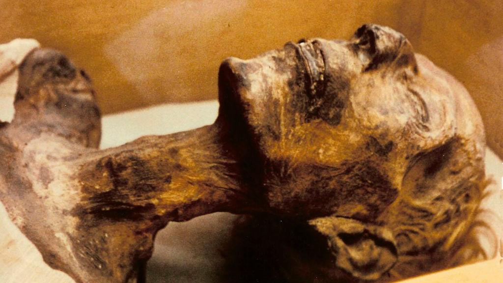 Ramsés II: La momia que tuvo que sacarse el pasaporte para poder viajar a Francia