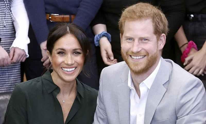 El príncipe Harry y su esposa esperan su primer hijo
