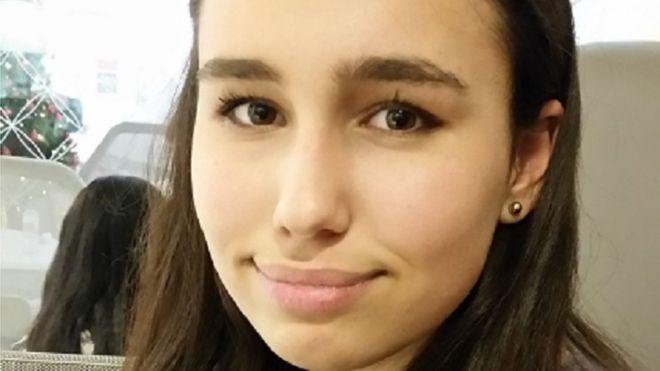 Muerte trágica de adolescente lleva a multinacional a cambiar política de etiquetado en Reino Unido