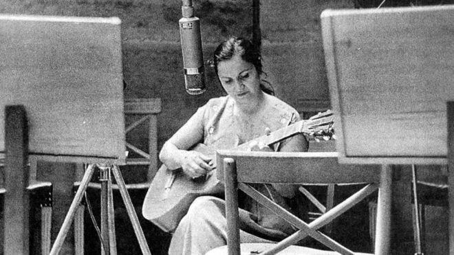 (Videos) En la voz de Violeta Parra, cinco de sus canciones más revolucionarias