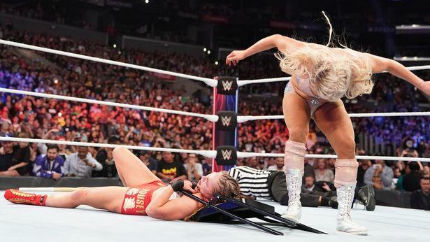 La actriz Ronda Rousey recibió un sangriento y brutal ataque